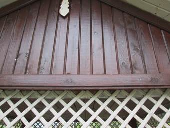 Какая защитная обработка необходима для деревянного дома из бруса и бревна?